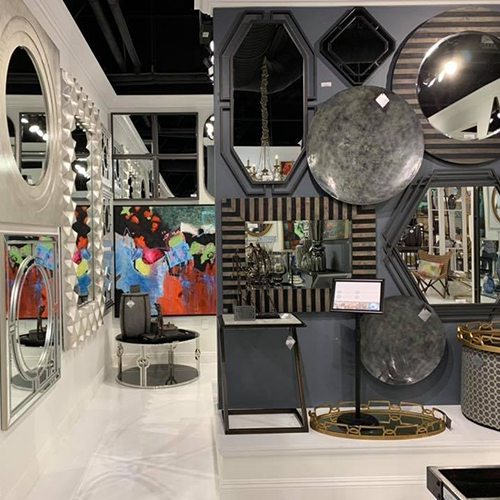Howard Elliott Vegas Showroom
