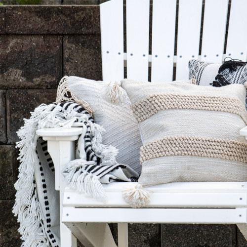 outdoor cozy pillows