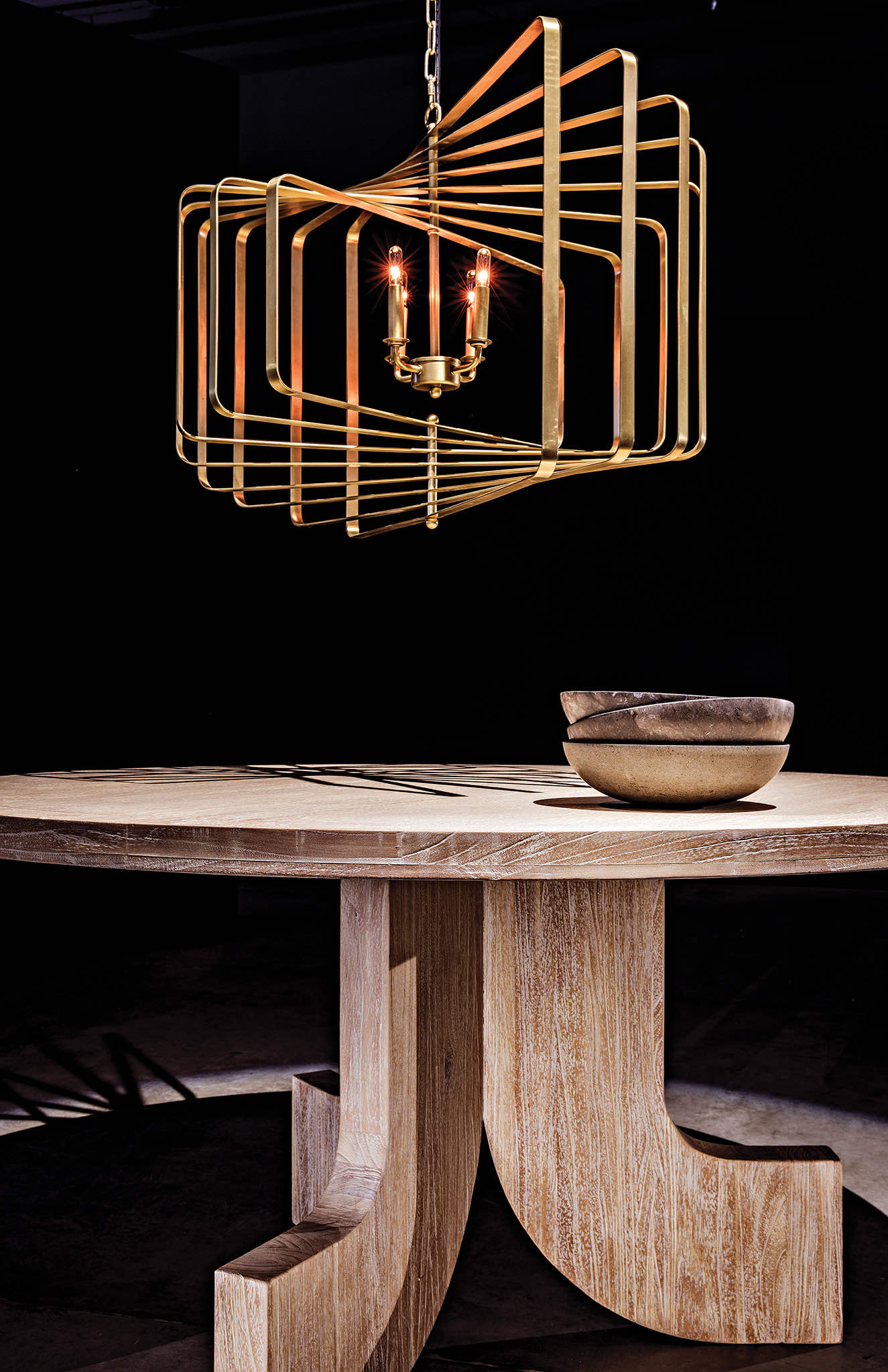 Dimaclema Chandelier and Siddhartha Dining Table